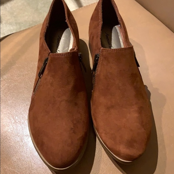 American Eagle Outfitters Shoes - American Eagle Suede Women Loafers!
